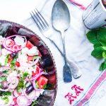 Sexet salat med røget mørbrad, blå ost og kirsebærglace